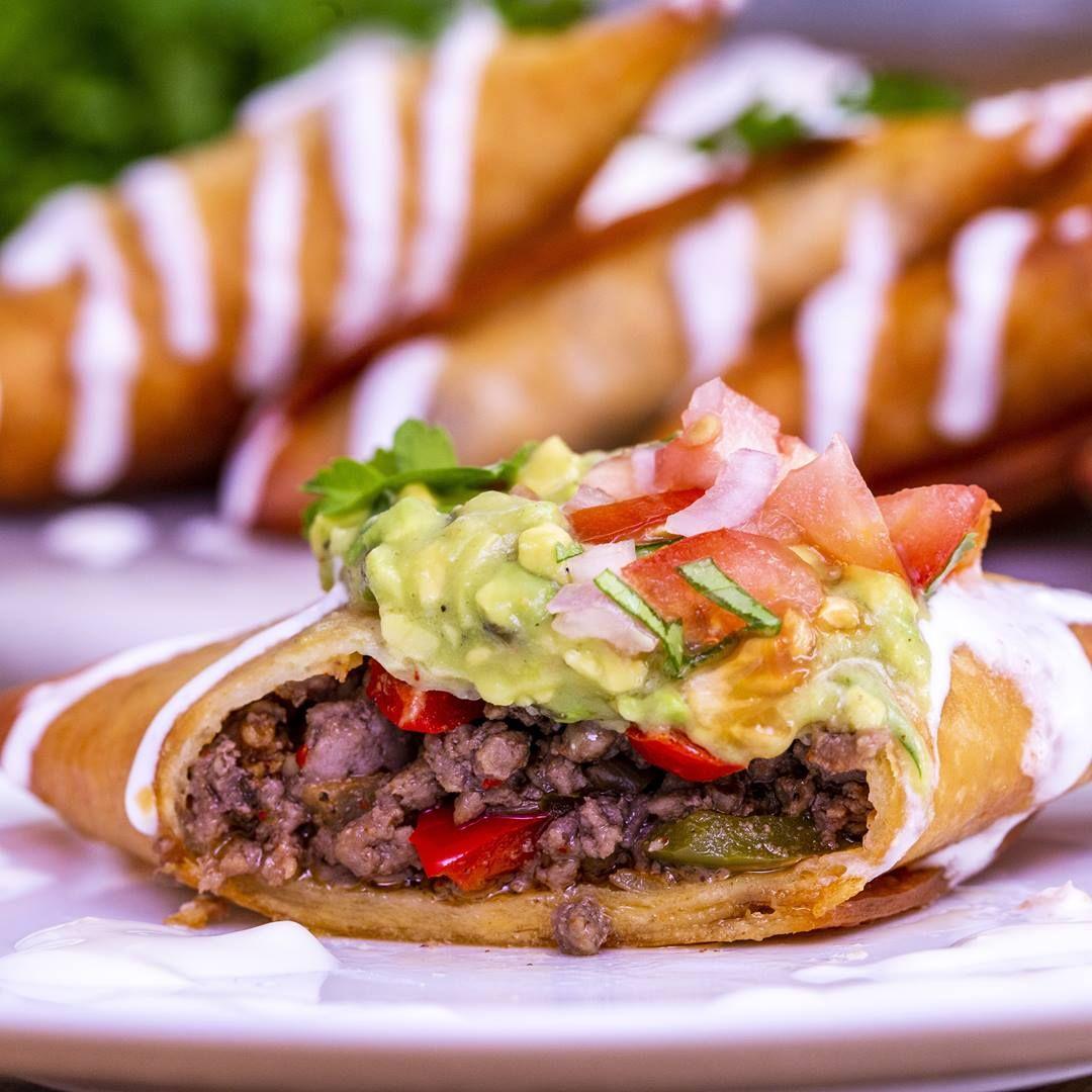 Revisitez les classiques avec le tacos frit, farci au bœuf, aux haricots rouges ou au poulet !