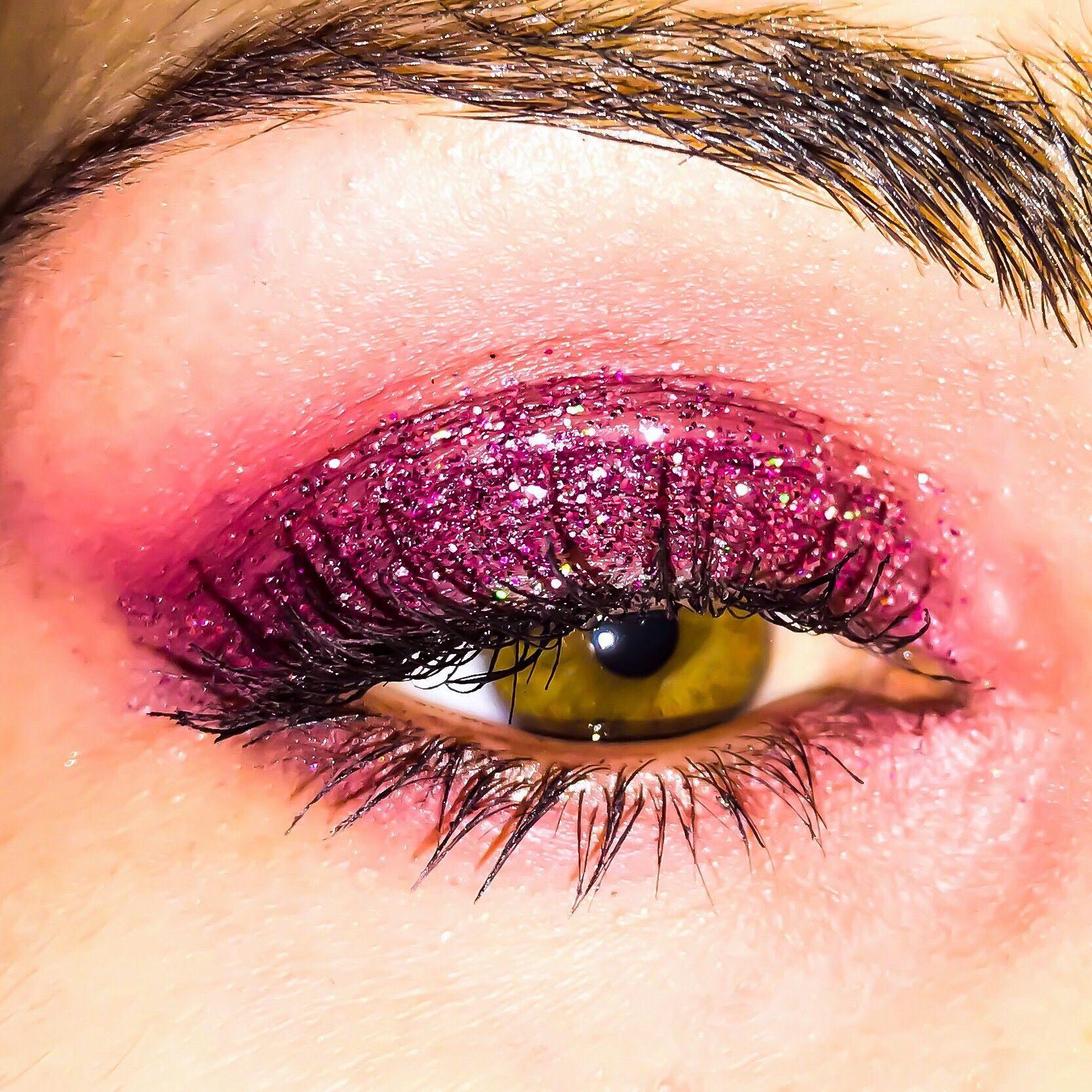 Magenta Glitter Eye Makeup Makeup obsession, Glitter eye