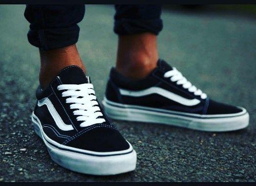 9bbd256ed3  vans  vansoldskool  black  white  shoes  tyga  kilyejenner  chrisbrown   sneakersdailyplanet  oldschool