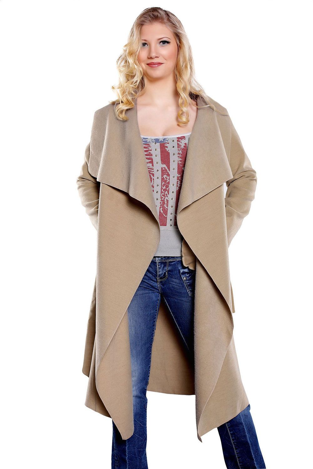 Livelys Blake fashionable jackets pictures