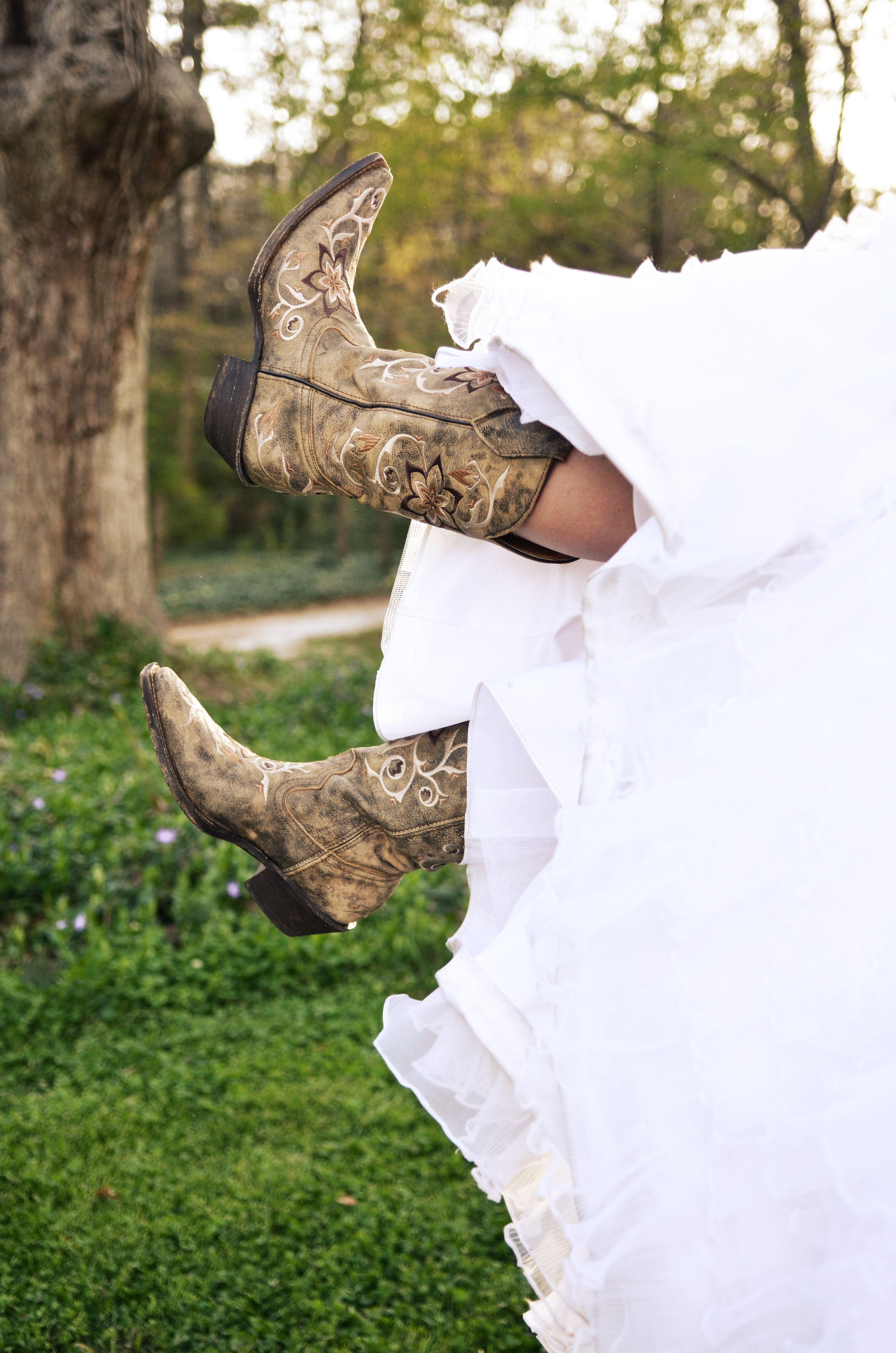 country wedding dresses with cowboy boots cowboy boots with wedding dress so country wedding 3129