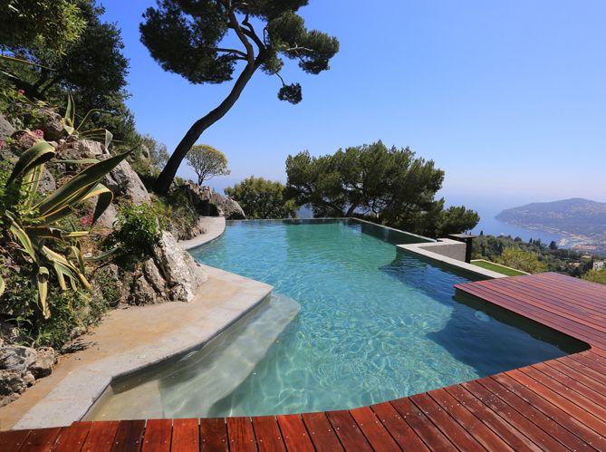 id e d co les plantes exotiques autour de la piscine plante exotique sud est et le bassin. Black Bedroom Furniture Sets. Home Design Ideas