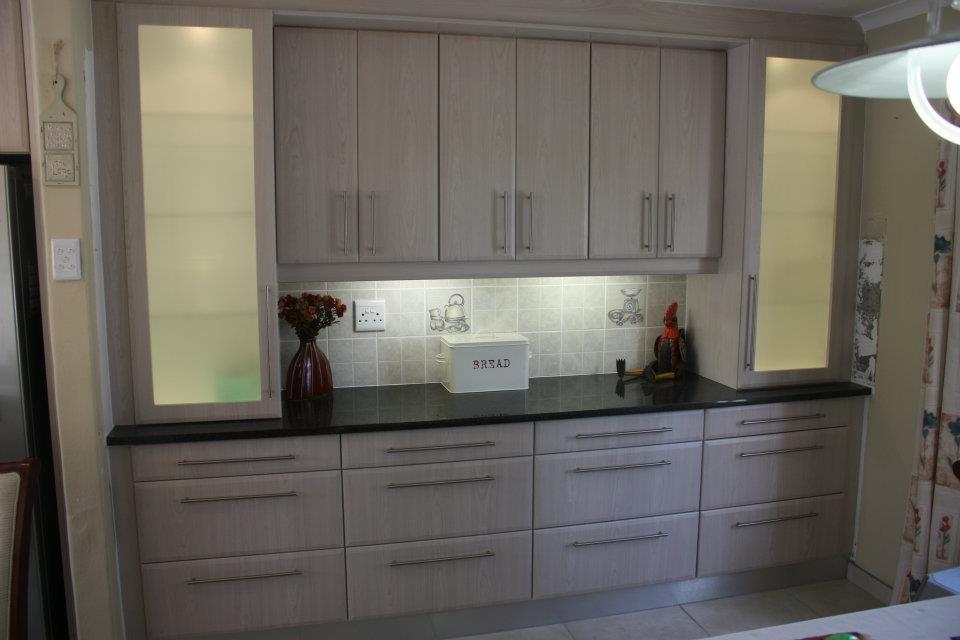 Black Cherry Kitchen Google Search Kitchen Kitchen Cupboards