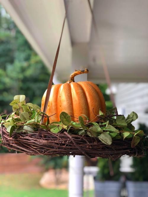 Front Porch Christmas Decor Ideas #fallfrontporchdecor