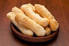 O Biscoito Frito é uma delícia, que fica pronto rapidinho e todo mundo adora. Tem gosto de infância, casa de vó, férias...