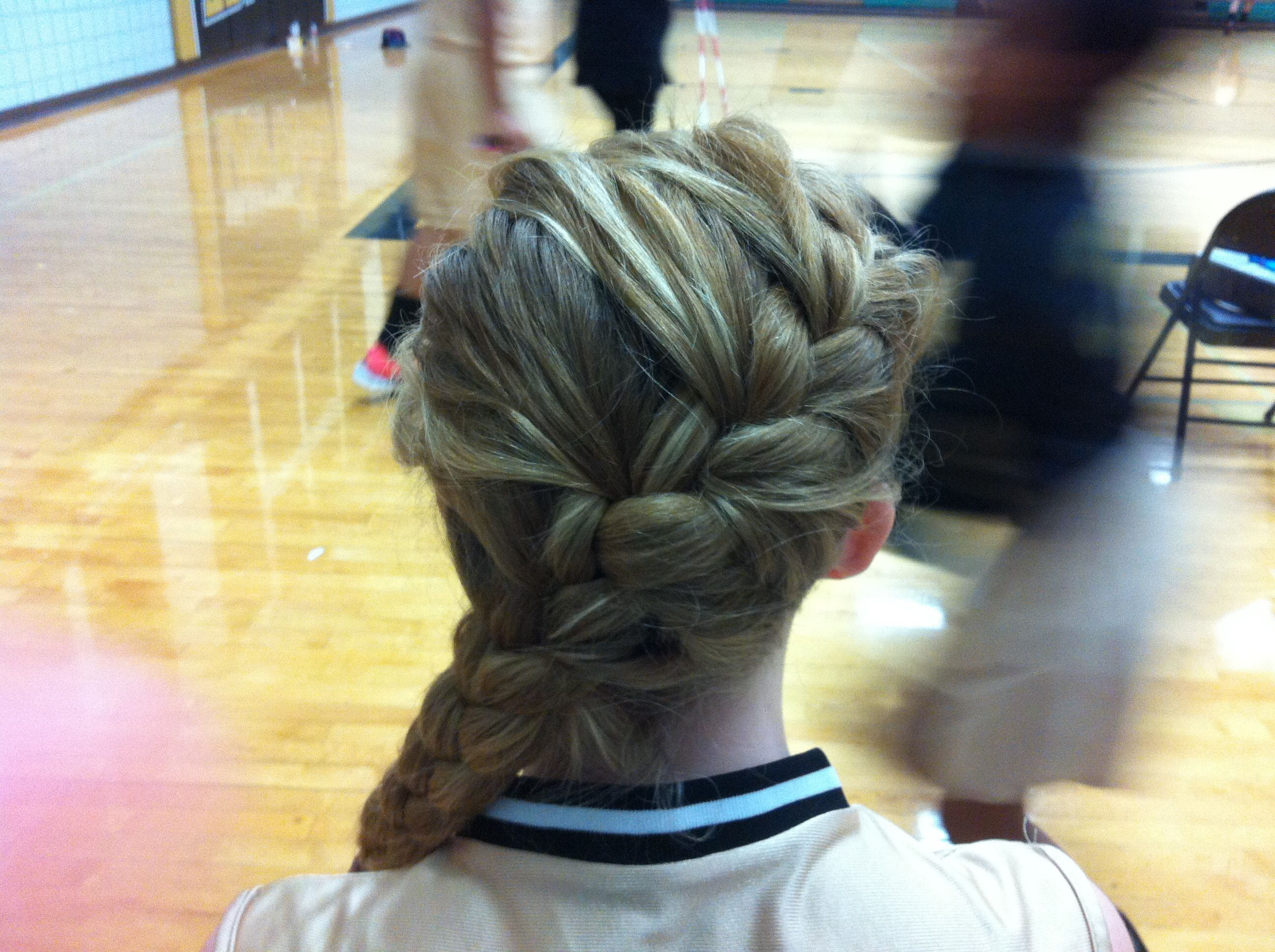 Good Volleyball Player Hairstyle Volleyball Hairstyles Sporty Hairstyles Hairstyle