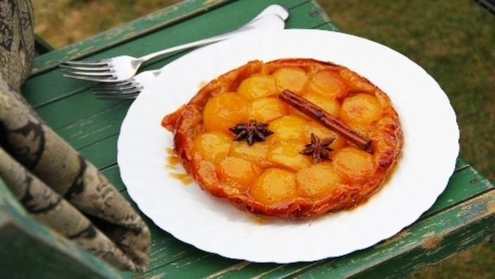 How to make the perfect Tart Tatin with Cinnamon and Star Anise by Jun Tanaka on Food Network UK.