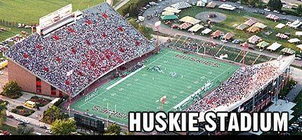 Huskie Stadium Niu Huskie Football Stadium Football American Conference