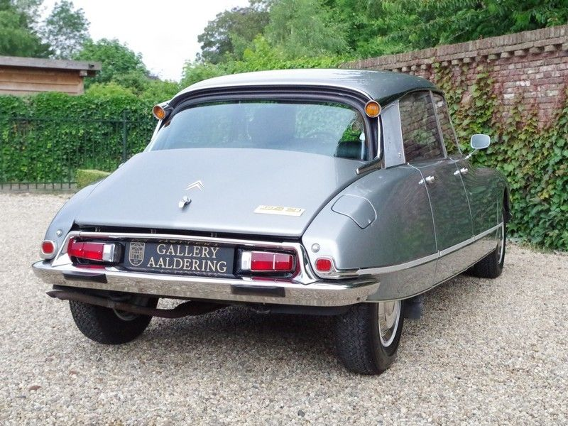 vente voiture ancienne de collection citroen ds 21 pallas injection with sunroof and manual. Black Bedroom Furniture Sets. Home Design Ideas