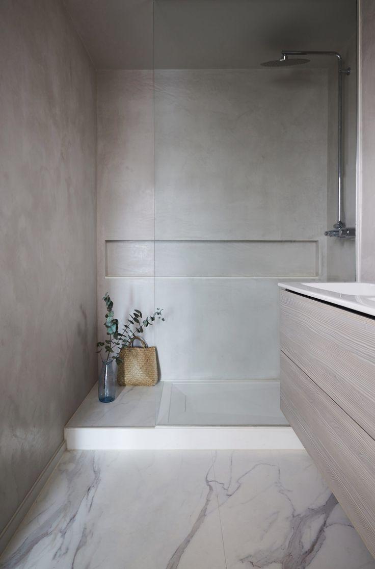 Tadelakt Wall Finish With Marble Tile Floor In 2020 Marble Tile Floor Marble Bathroom Floor Concrete Bathroom