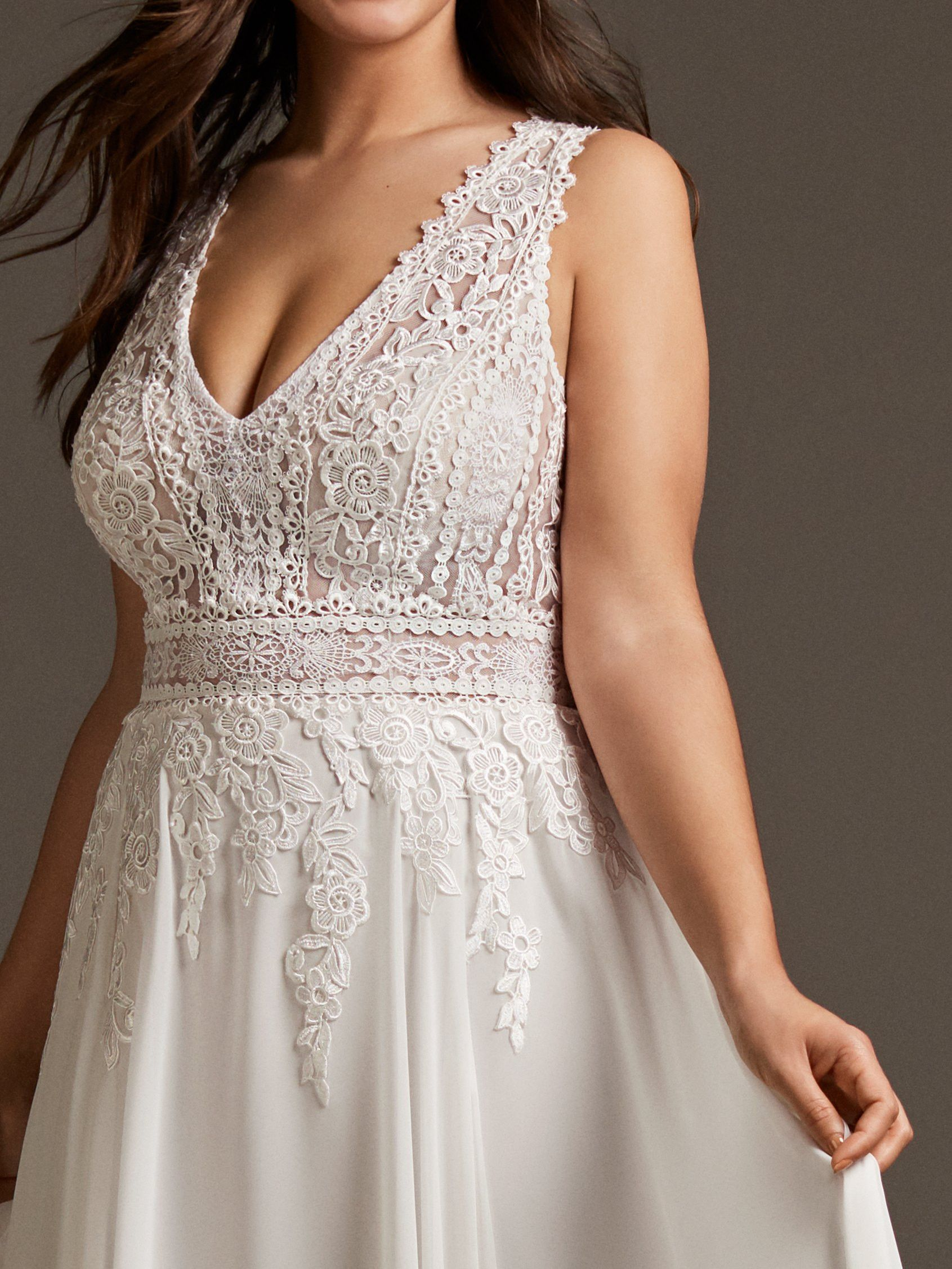 Try It On At Ellie S Bridal Boutique Alexandria Va Pronovias Comet Plus Size Bridal Dresses Unusual Dresses Wedding Dresses [ 2255 x 1691 Pixel ]