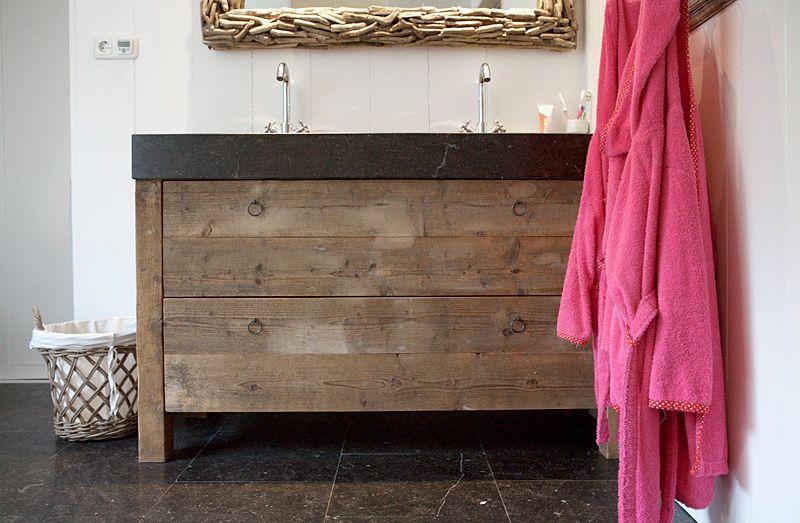 Badkamerkast Oud Hout : Badkamermeubel oud hout oude bouwmaterialen bij jan van ijken