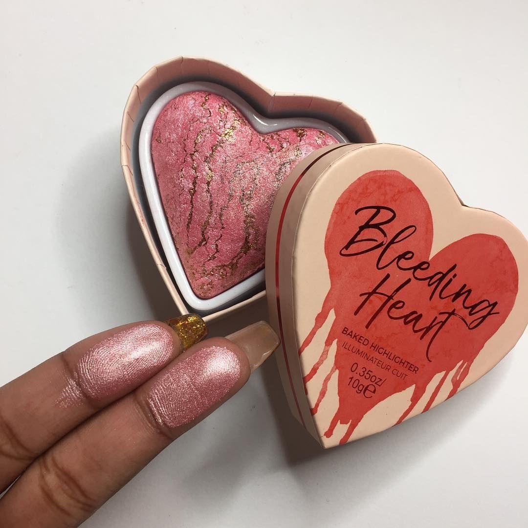 1 1 M Abonnes 4 949 Abonnement 9 395 Publications Decouvrez Les Photos Et Videos Instagram De Revolutio I Heart Makeup Highlighter Makeup Highlighter Dupes