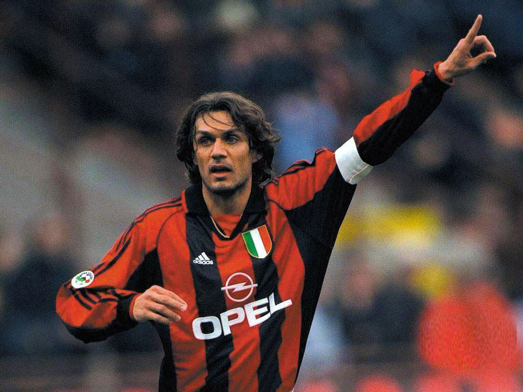 Paolo Maldini Ac Milan Legend The Footballing World S Best Ever Center Back He Truly Symbolizes The Term Il C Paolo Maldini World Football Legends Football