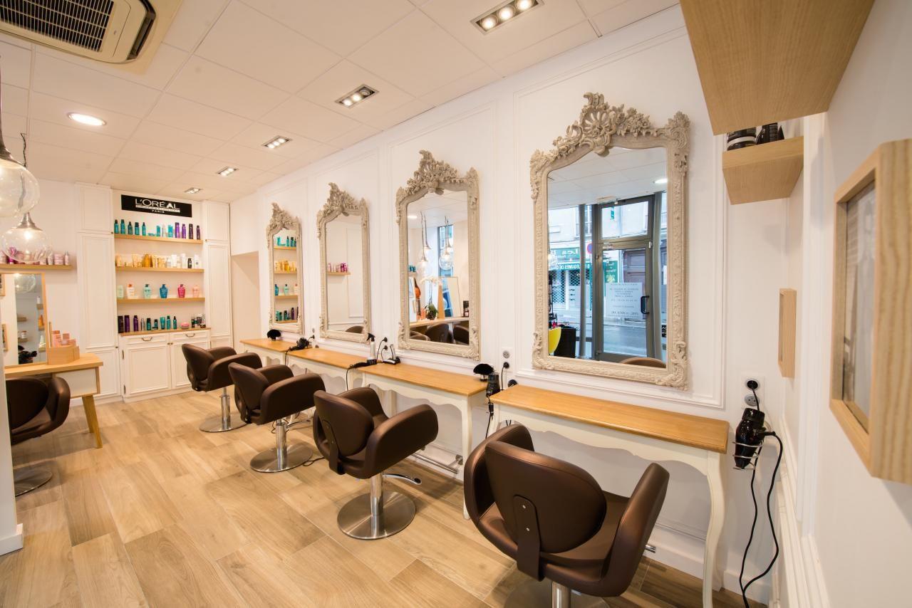 Salon De Coiffure Style Appartement Parisien Appartement Parisien Decoration Interieure Salon De Coiffure