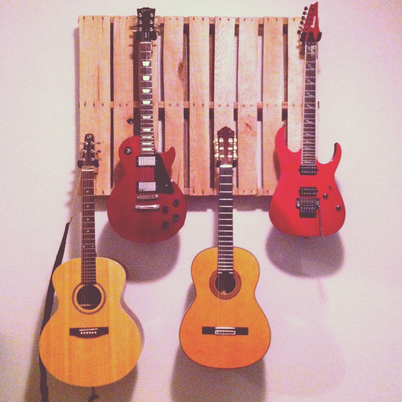 Support à guitare - palette de bois