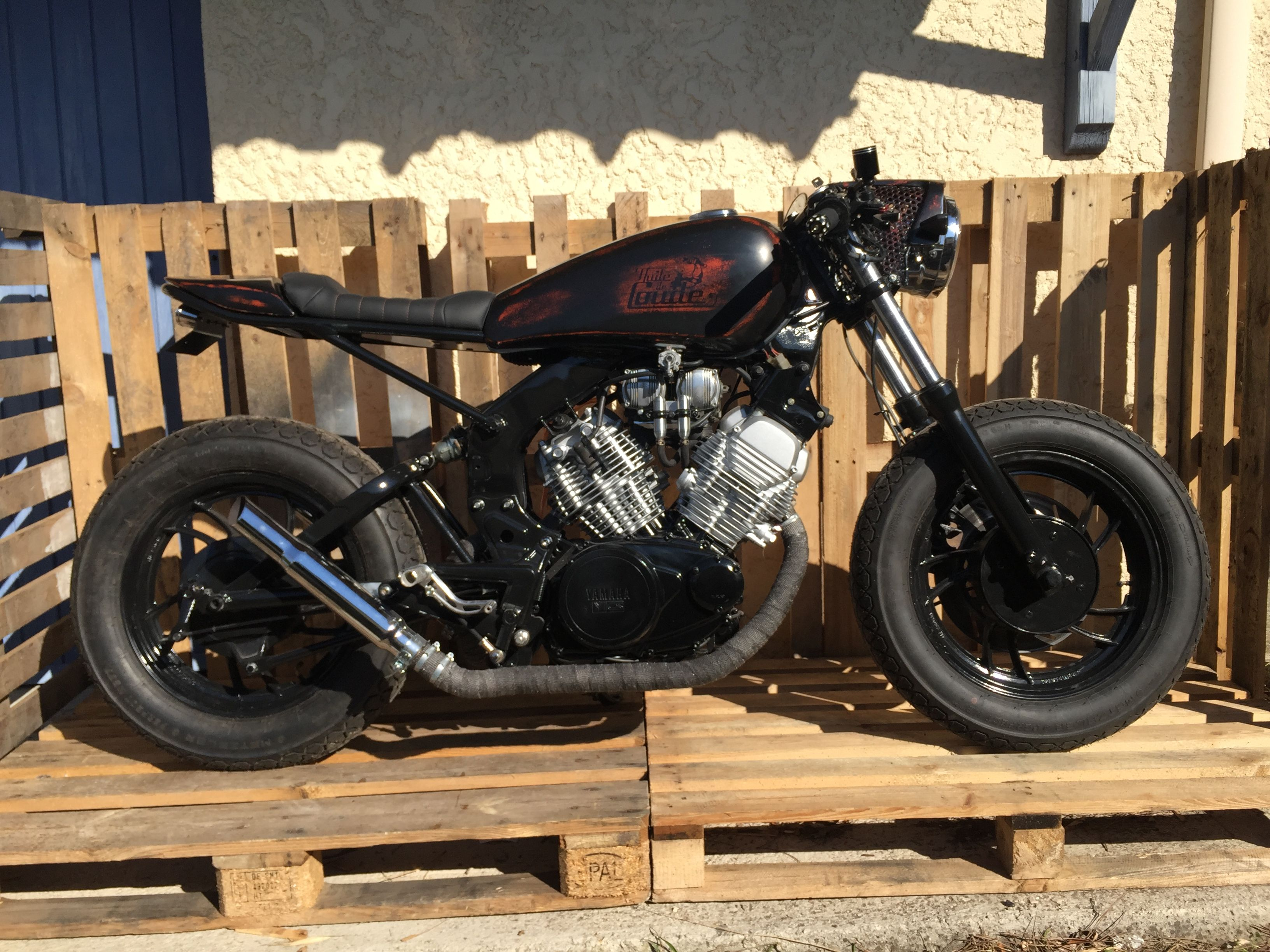 xv 500 cafe racer huile de coude xv500 virago cafe racer en motorbike. Black Bedroom Furniture Sets. Home Design Ideas