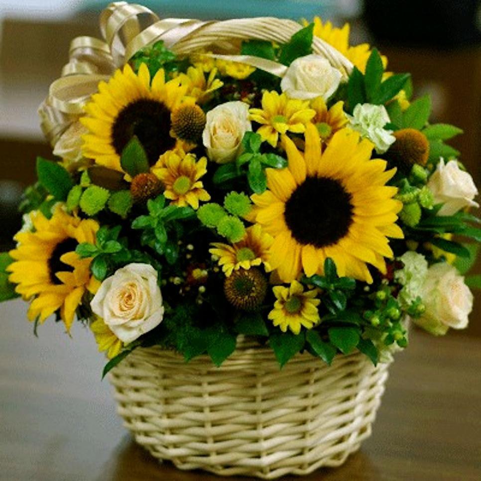 Chrysanthemum Flower Arrangement Ideas Basket flower