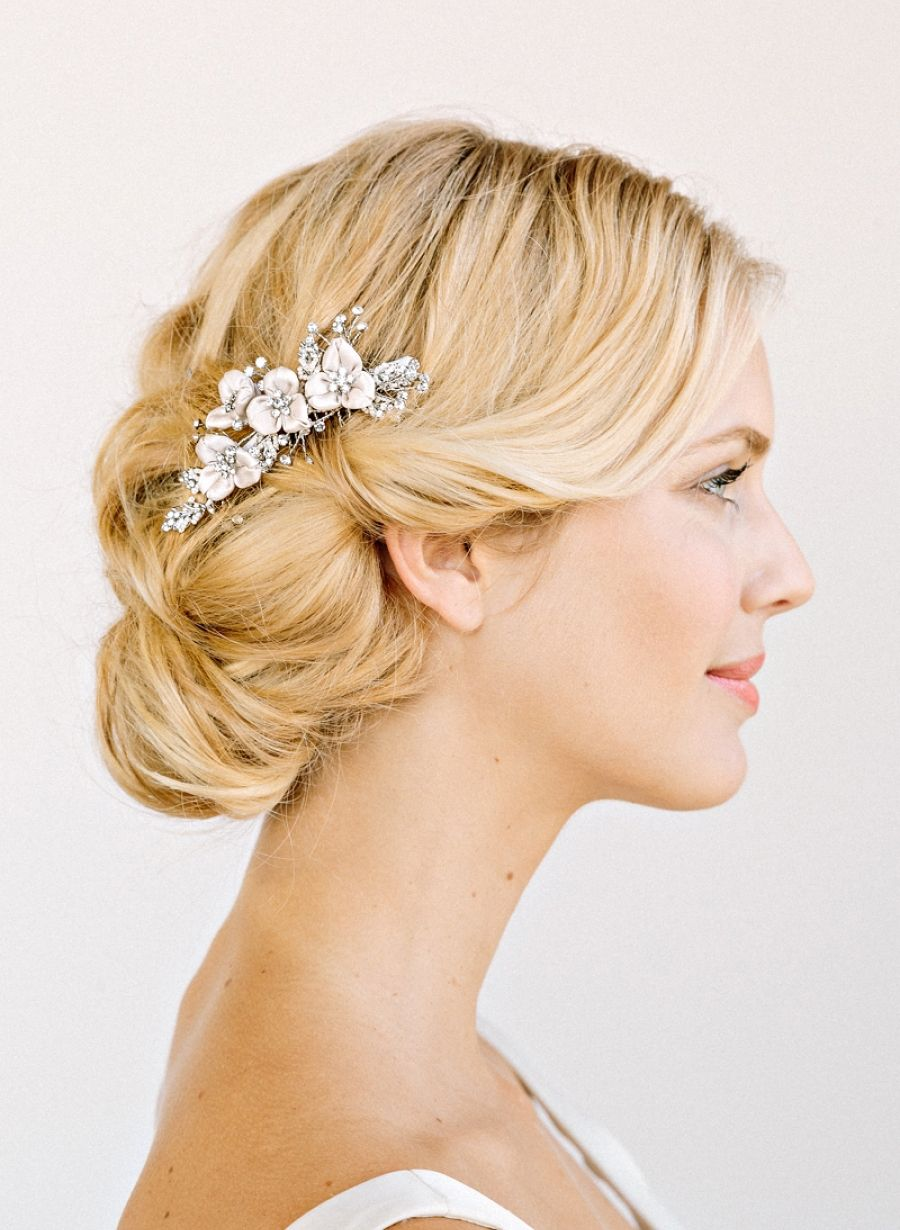 delicate hair clip with flowers & a touch of sparkle | wedding