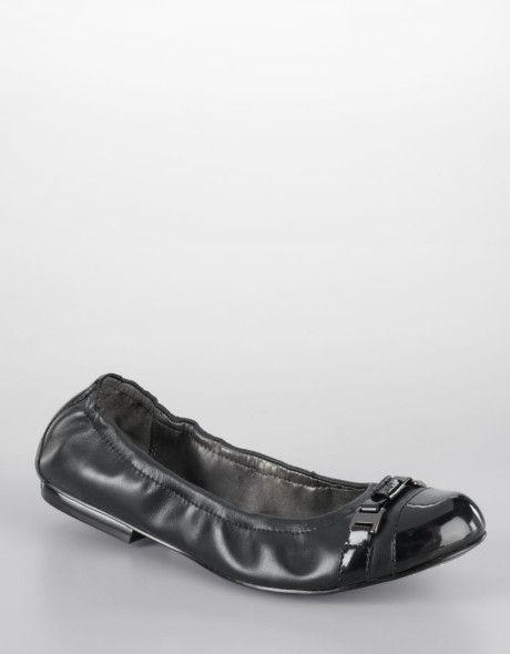 Tahari - Black Veronica Cap Toe Leather Flats - Lyst