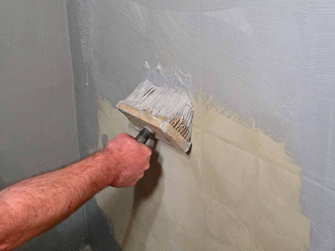 Goedkope Vloer Oplossing : Tegels verven is een goedkope oplossing om veranderingen aan te