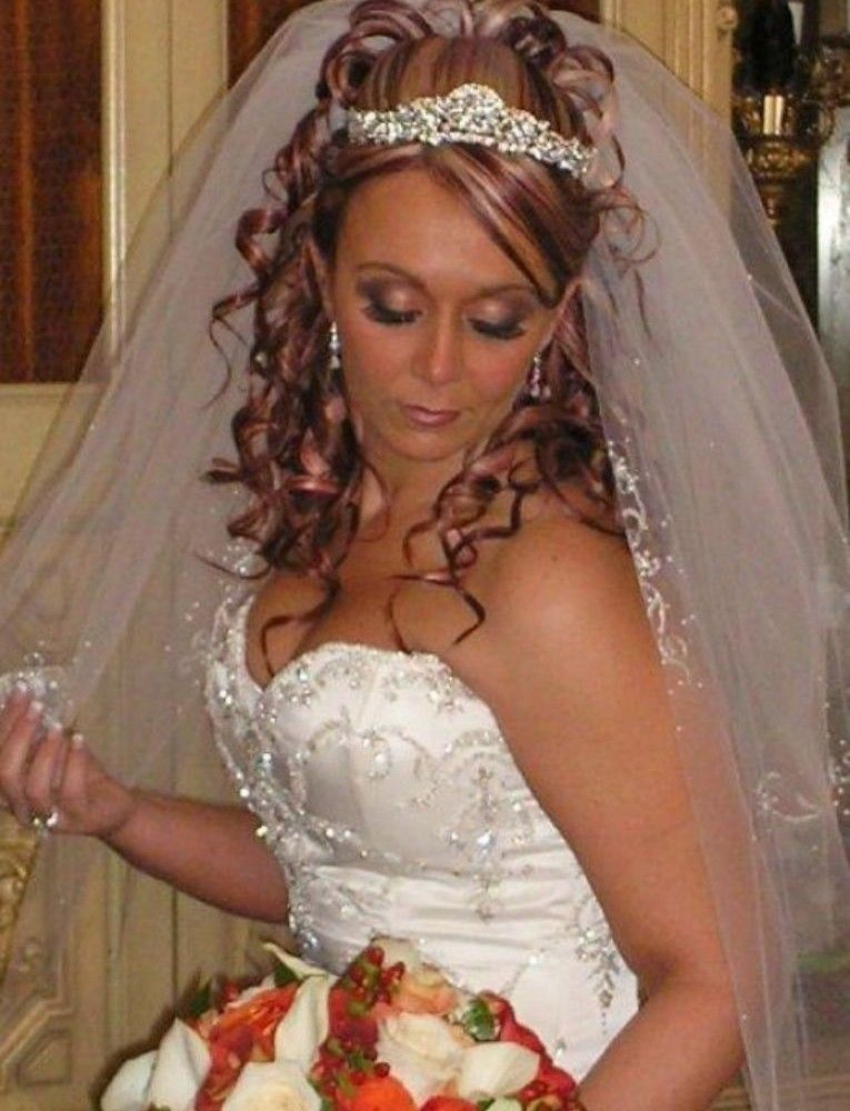 Curly Wedding Hairstyles With Tiara And Veil Beautiful Ideas