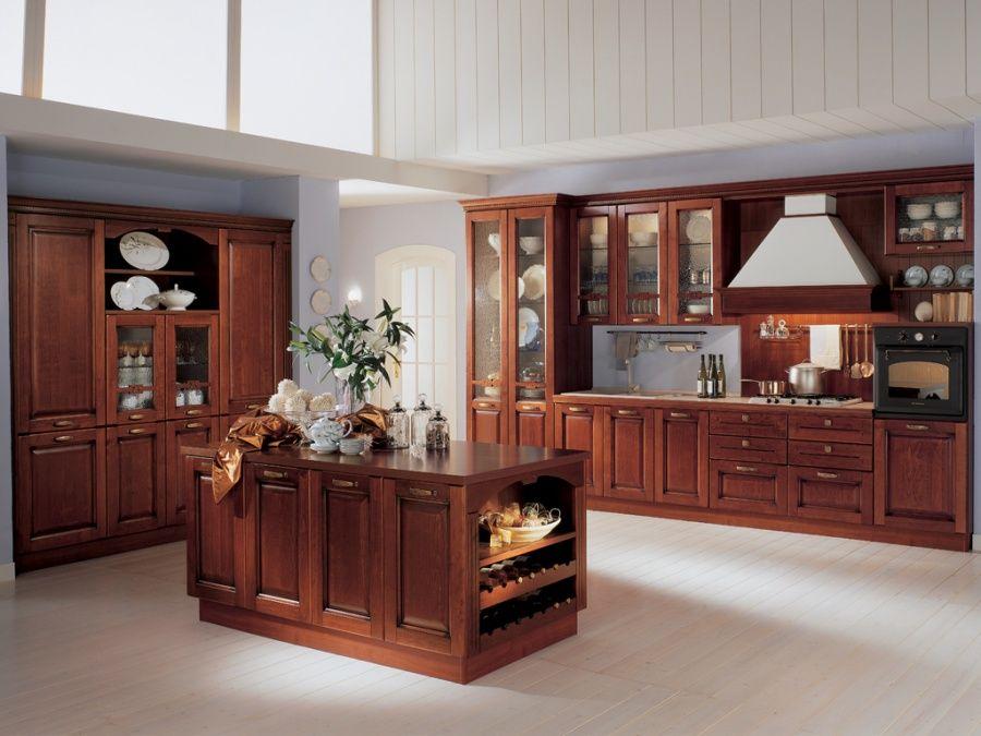 Nuvola - Cucina classica con ante in legno massello di tulipiè tinto ...