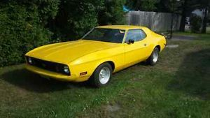 1973 mustang 1973 mustang.. 351 cleveland 3 speed ratchet shift, edelbrock intake, edelbrck carb, valves re-seated, gaskets redonecat the same time,msd, new carpet, new brakes all around, headman headers, flowmaster exhaust,solid very clean car, engine runs great,tires are pretty much new, only selling because I got a new toy.. insure is 7$ a month with intact, needs a speedo cable (40$)..