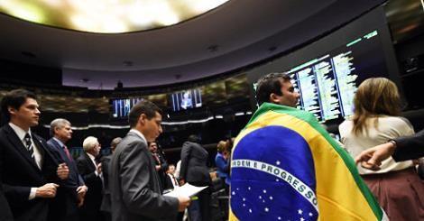RS Notícias: Oposição entra com queixa-crime contra Dilma e Lul...