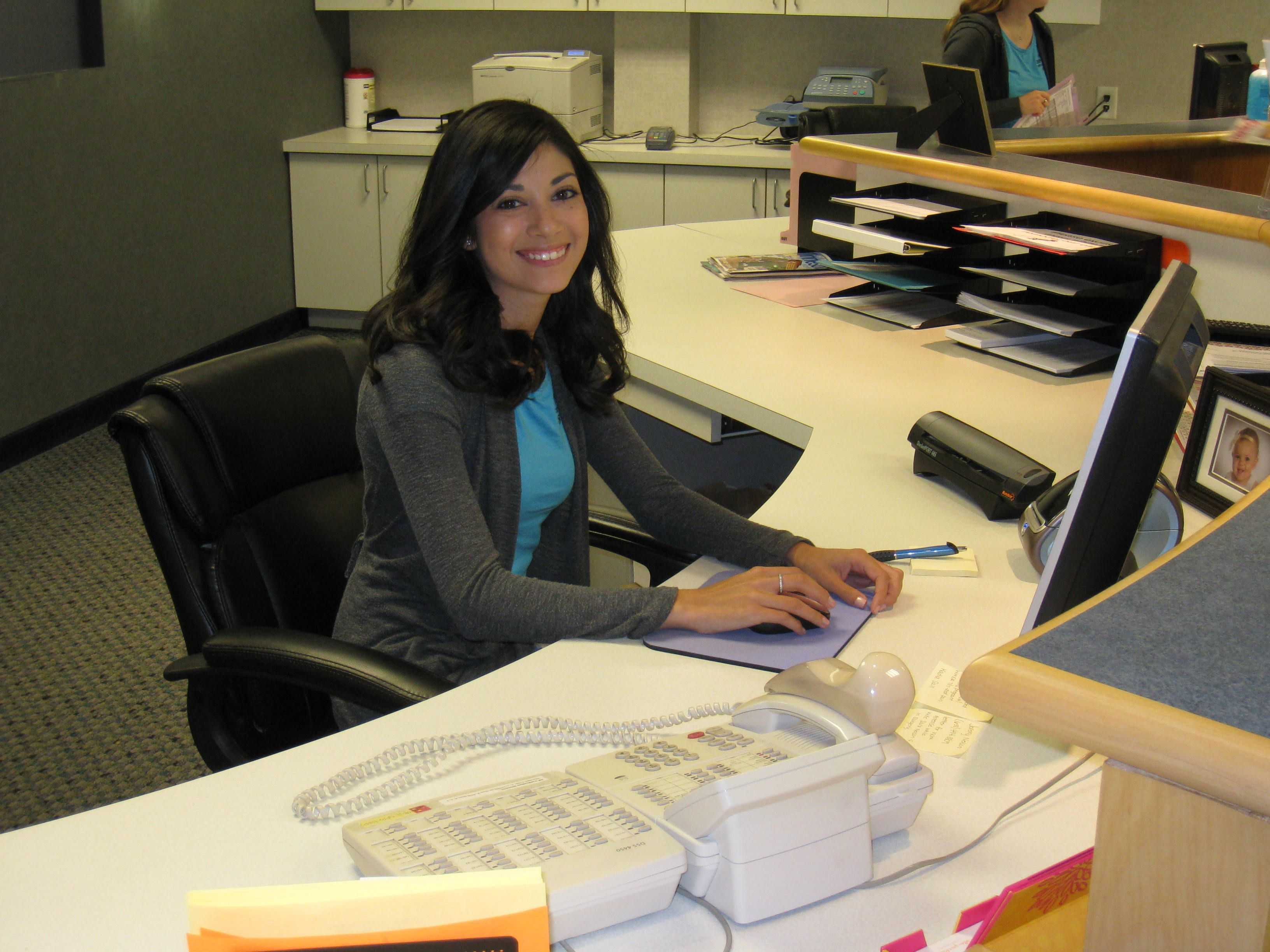 Hire Receptionist Front Office Executives Personal Secretary And Front Desk Staff For Full Part Time Jobs At Kaa Front Office Receptionist Office Programs