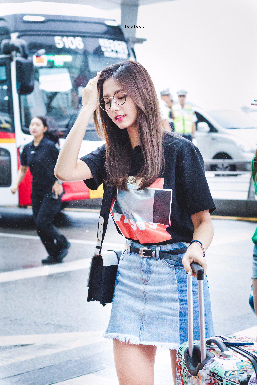 2017 08 17 Incheon Airport Departure To Vietnam Airport Fashion Kpop Korean Airport Fashion Kpop Fashion