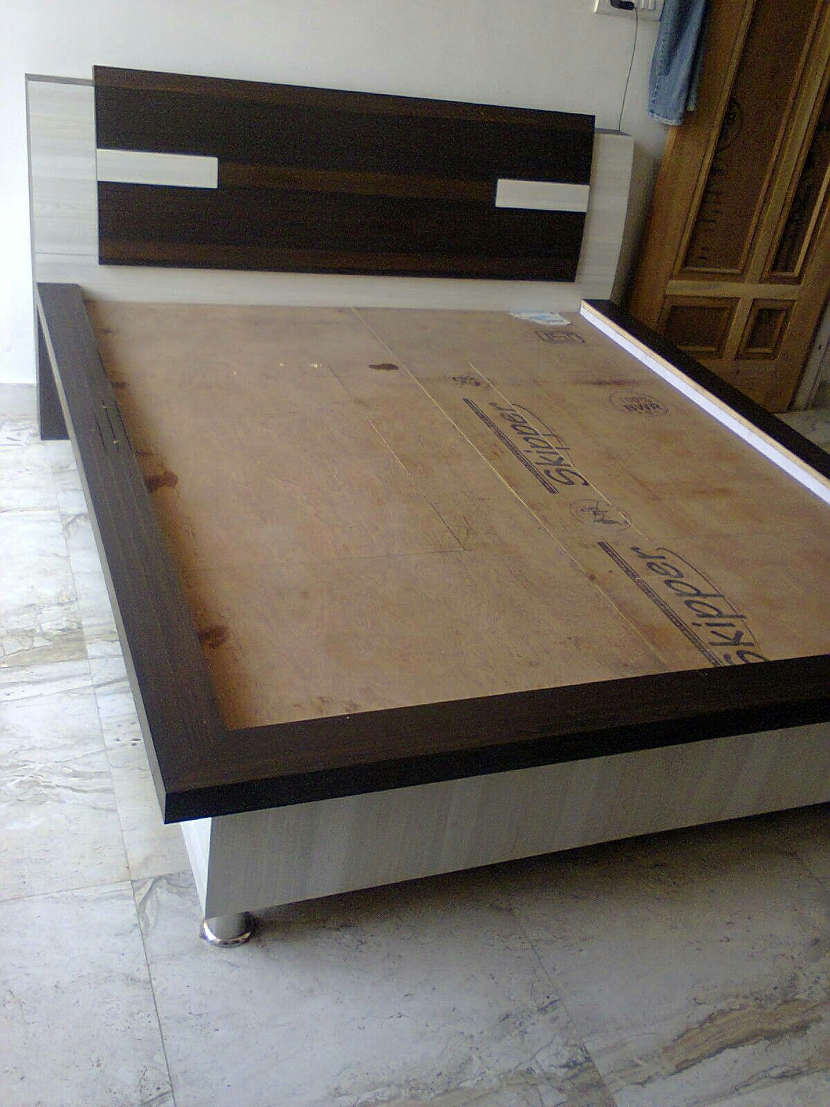 Best Pin By Lali Khattra On My Work Bed Design Modern 400 x 300