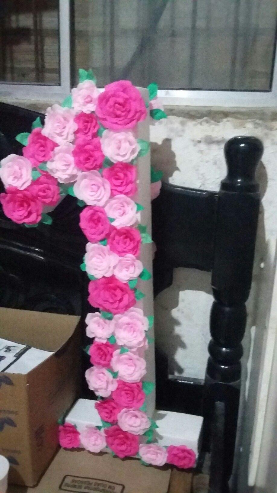 Número 1 Decorado Com Flores De Papel Crepom Decoração De
