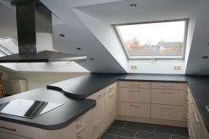 k che unter dachschr ge hnliche projekte und ideen wie im bild vorgestellt findest du auch in. Black Bedroom Furniture Sets. Home Design Ideas