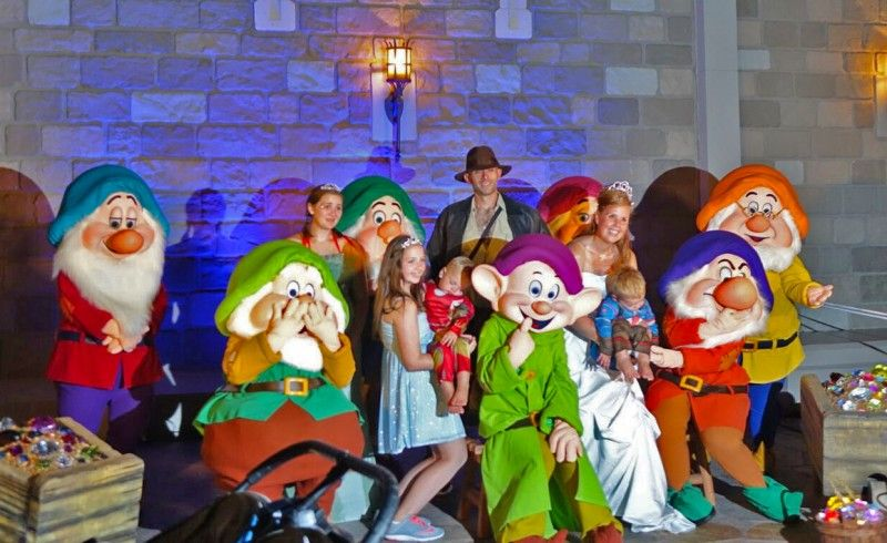 characters and locations for mickeys not so scary halloween party 2017