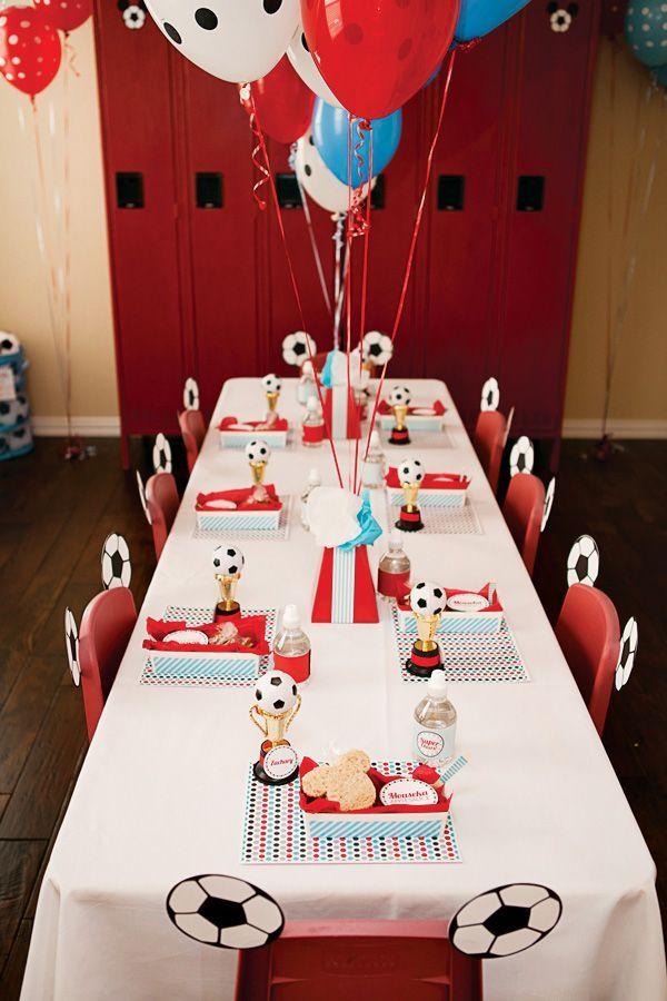 Otra Paleta De Colores Que Puedes Usar Para Decorar Tu Fiesta De Fútbol Es Blanco Rojo Y Azul Fiestaste Soccer Party Kids Soccer Party Mickey Birthday Party