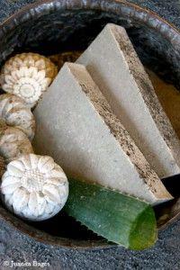 Jabón de uso cosmético de Arcilla Verde, elaborado artesanalmente por Såper en su tienda-taller de Casa de Uceda