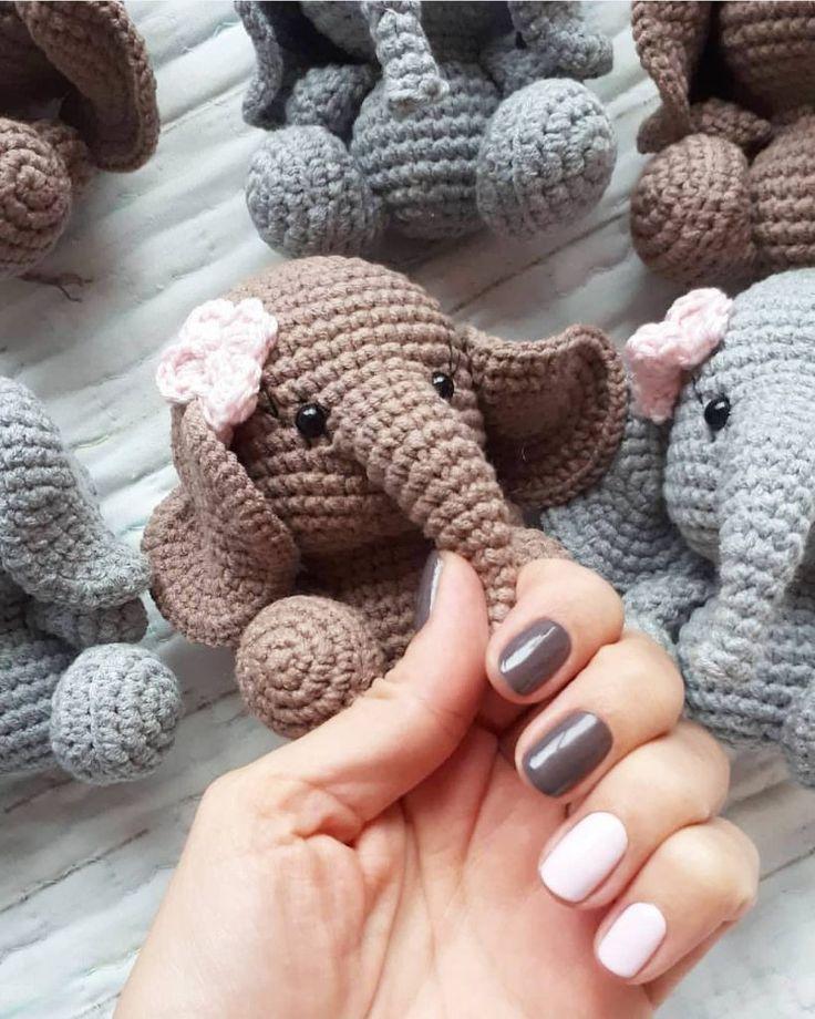 Crochet Elephant Pattern - thefriendlyredfox.com | 920x736