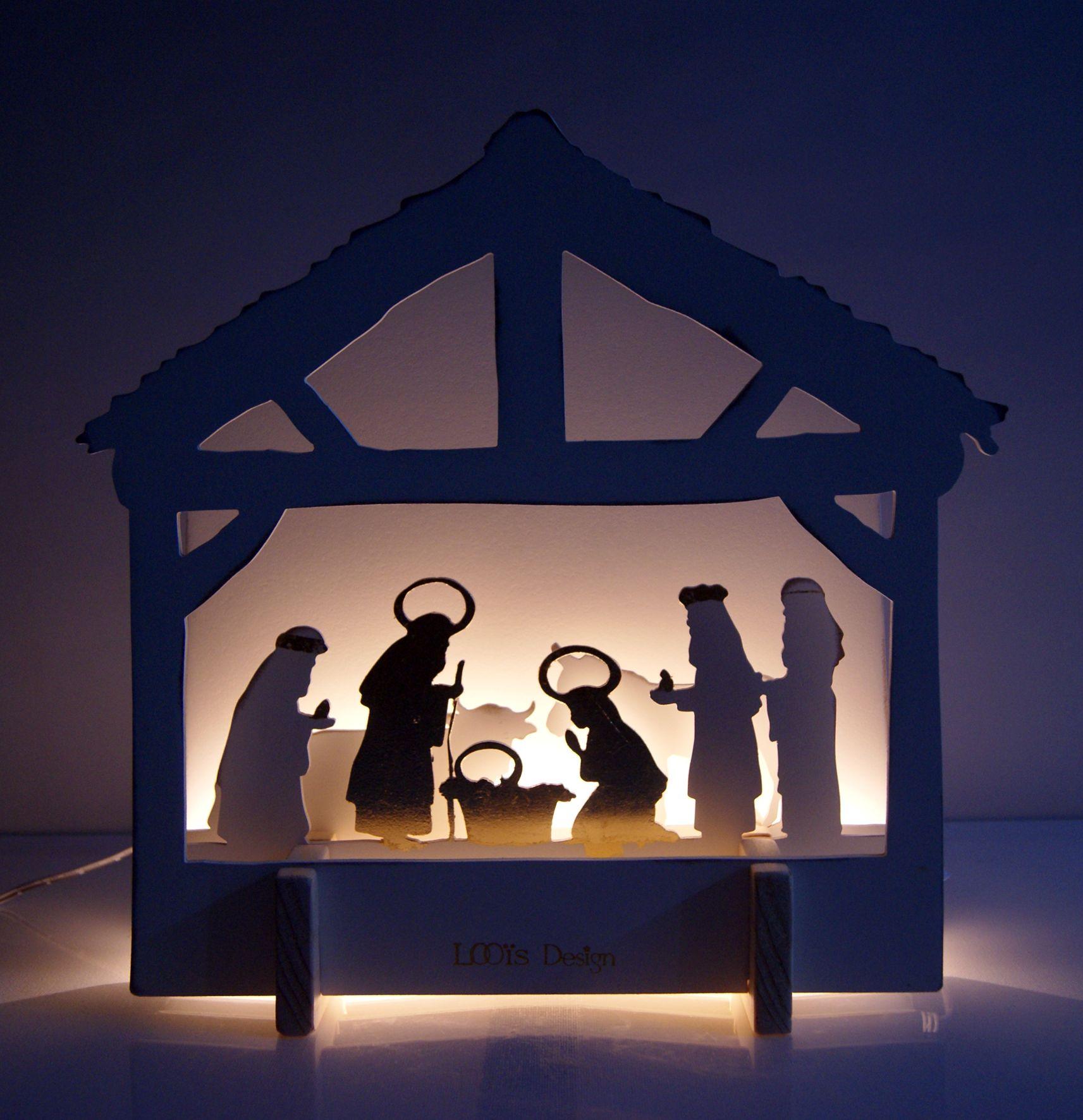 Crèche de Noël lumineuse, bois, blanc et or, 30*30*8 cm | Crèche
