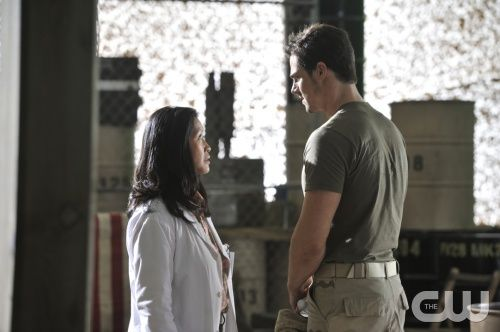 """Beauty and the Beast -- """"Trapped"""" -- Pictured (L-R): Khaira Ledeyo as Dr. Chandler and Jay Ryan as Vincent-- Image Number: BB107a_0128 -- Photo: Ben Mark Holzberg/The CW -- © 2012 The CW Network, LLC. All rights reserved."""