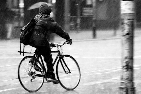 How To Bike In The Rain With Images Biking In The Rain Rain