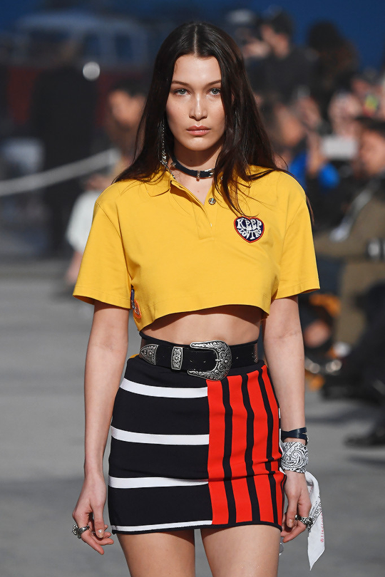 Bella Hadid in Tommy Hilfiger  100 times better when your favourite model  showcases your favourite brand 10f8904559