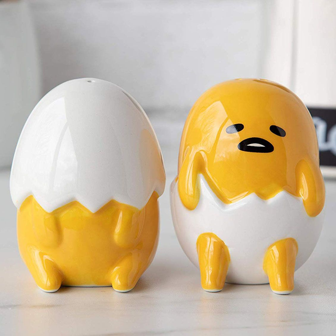 Sanrio GUDETAMA THE LAZY EGG SQUISHME SQUEEZE Toy SQUISHY Laying Down in Shell