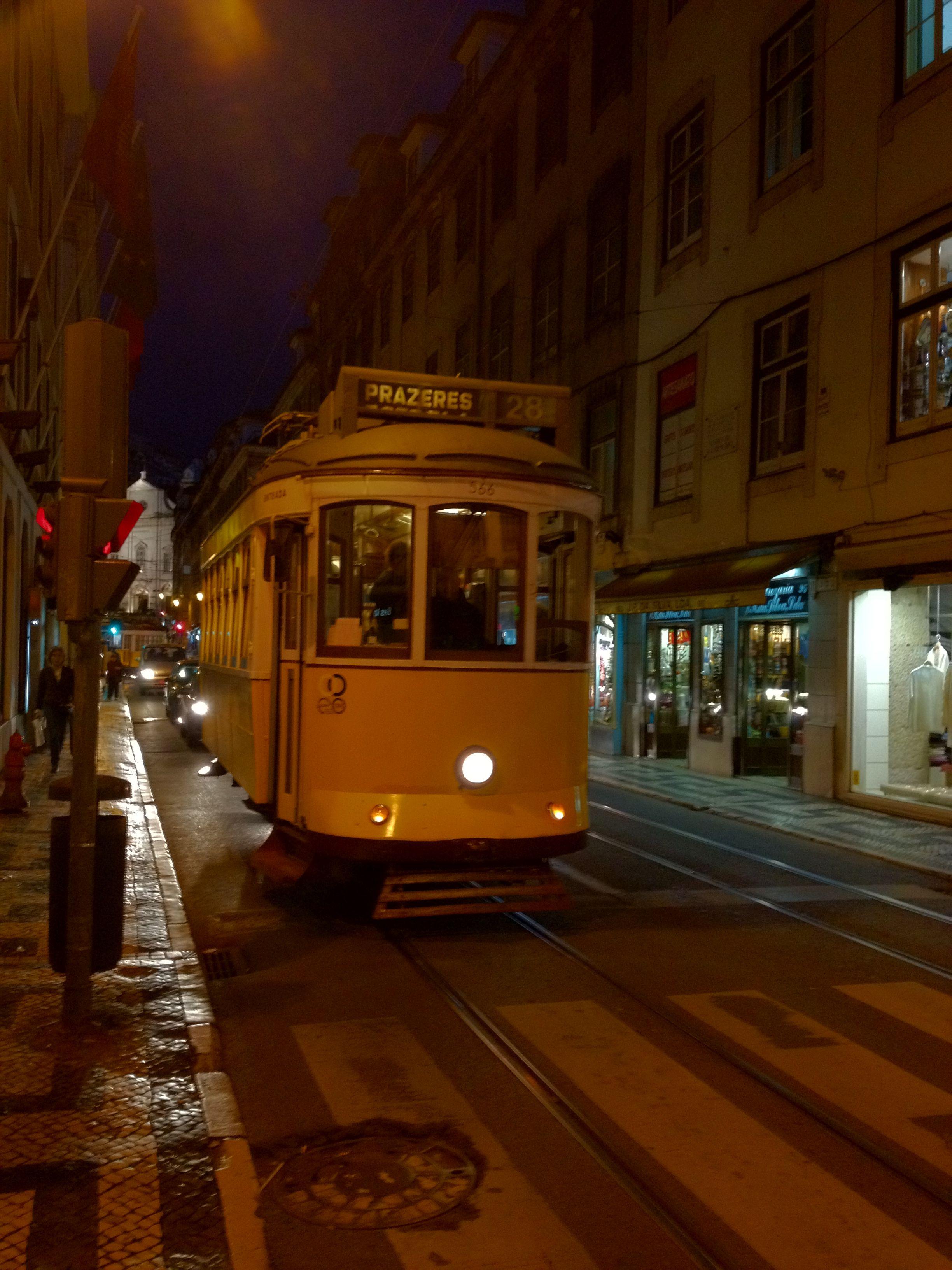 Ruas de Lisboa...