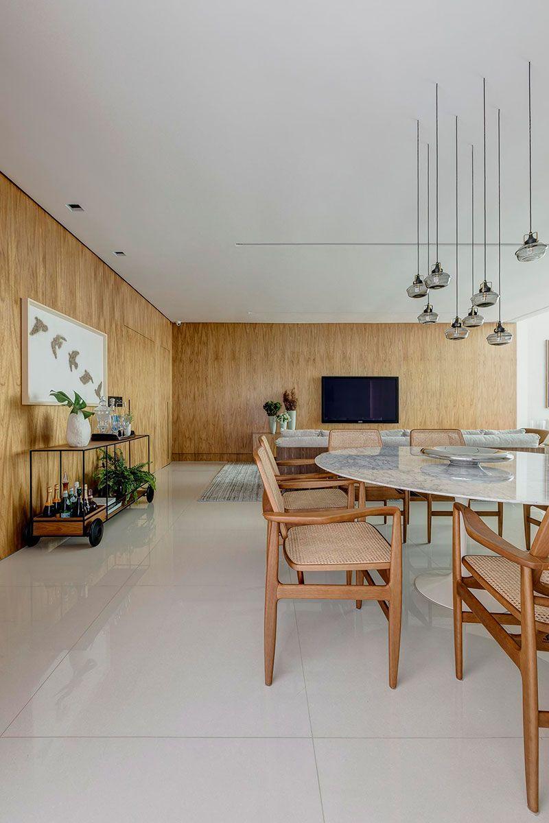 Decoracao de apartamento com atmosfera casa painel madeira mesa jantar also  designing services kitchen interior design rh pinterest