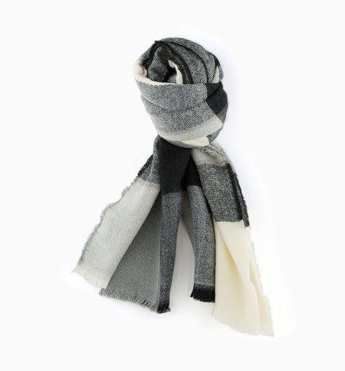 Maxi écharpe à carreaux Femme imprimé noir - Promod   Anniversaire ... daad2d903ef7