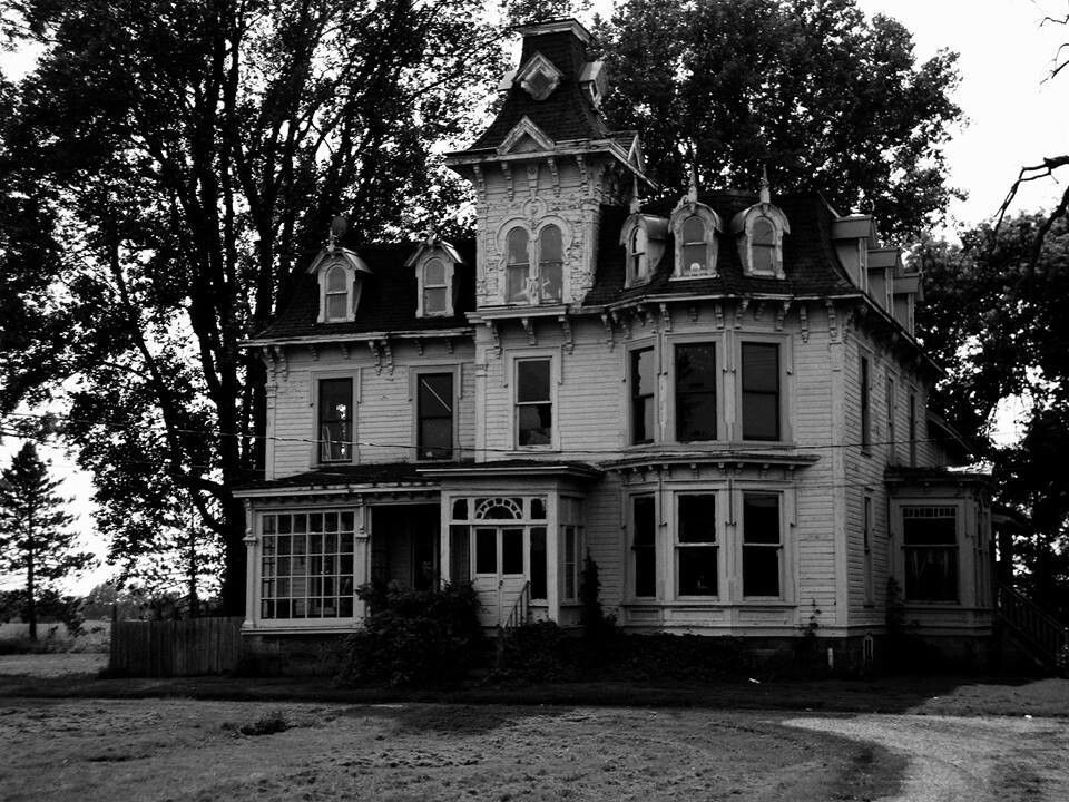 Abandoned victorian house in michigan haunting images for Building a home in michigan