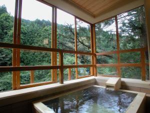 いつでも行けちゃう 1万円台で泊まれる 露天風呂付客室 5選 画像あり