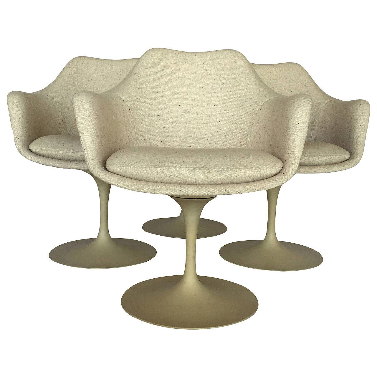 Set Of Four Tulip Chairs By Eero Saarinen For Knoll