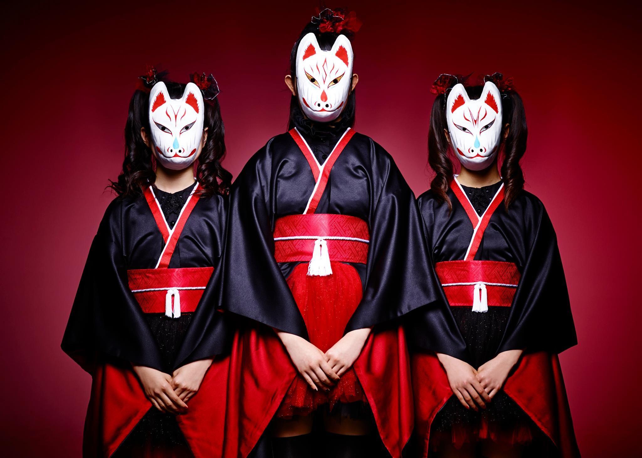 baby metal to release their new single megitsune release on june 19 kitsune mask kitsune kawaii girl